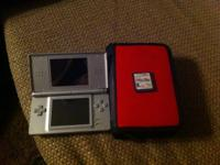 Nintendo DS Lite. Like new Comes with game case and