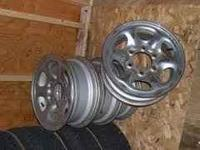 i have 4 excellent shape nissan 4x4 rims. will fit