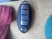NISSAN MAXIMA / ALTIMA KEY FOB   USED