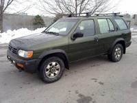 Nissan Pathfinder 97 4x4, heater and AC works, sunroof,