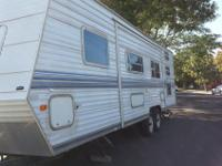 Nomad 32Ft travel trailer sleeps nine. Move out Queen