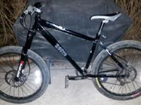 Black medium size Norco Shasquash. Disc brakes sus
