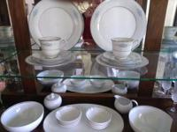 8 five piece place setting in excellent condition  //