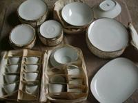 8- place NORITAKE Whitebrook China Set 8- 10 1/2""