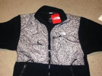 Black northace jacket size small. Bought for my sister