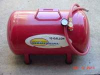 NORTHERN INDUSTRIAL 10 GALON AIR TANK : (LIKE NEW) JUST