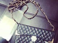 Girly cute little purse for Note 3 Chanel style black &