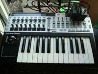 Novation 25SL MKII MIDI Keyboard Controller in