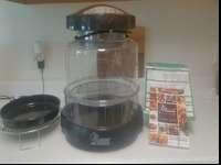 NuWave Oven ... 2 years old, used 3 times. Has extras,