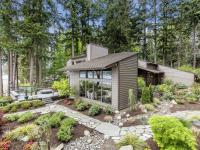 This timeless NW Contemporary home offers spectacular