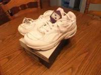 This is a new pair of mans Reebok Dynamax shoes that