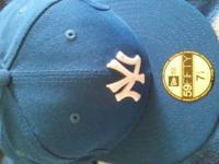 I'm selling this brand new NY Yankees Fitted Hat size 7