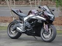 2009 Suzuki GSX-R 1000Finished in a well wanted Black/