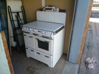 1950's approximately O'Keefe & Merritt gas stove