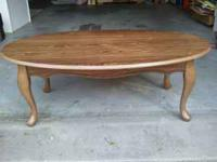 Beautiful coffee table. Oak legs with an oak veneer