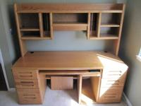 Beautiful Oak Veneer Hardwood Desk with Hutch