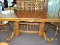 Oak Dining Room Table w/6 Chairs, Excellent Condition!