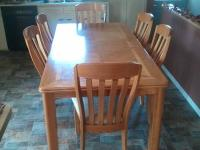 Solid Oak Dining Set that sits 6 people comfortably