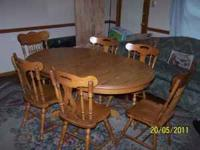 for sale; oak wood stained finish dining table w/6