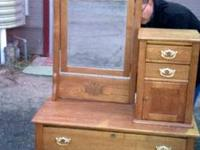 Beautiful oak dresser with mirror and hat box in great
