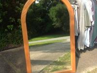 "OAk Oval Framed MIRROR  28""X46""  EXCELLENT CONDITION."