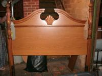 Beautiful oak headboard in excellent condition. The