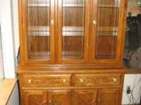 Bueutifil large oak hutch Pictures say it all $350 Call