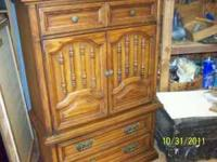 Oak Hutch with two drawers on top, two on bottom and 3