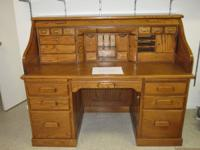 Amish made roll top desk. Solid oak construction - no