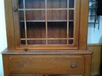 Oak - Solid Wood - Excellent condition, needs to bee