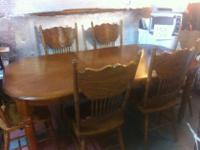 Type: KitchenType: TABLEOAK TABLE WITH SIX CHAIRS AND