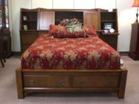 Beautiful Queen/King oak wall bed with 2 hutch night