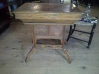 Very Interesting Oak Lift Leading Table. This table is