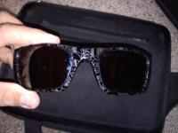 Pair of Oakleys for sale. Frames are polished black