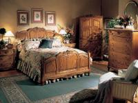 ***Oakwood Interiors Solid Oak Heirloom King bedroom