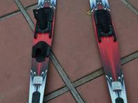 OBrien Vantage Water Skis  Good shape, all rubber in