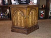 OCTAGON END TABLE !! Nice end table that just one door