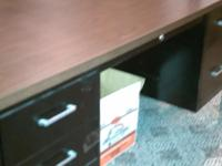 I am selling a 5' Steelcase Office Desk. The desk shown