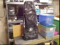 Huge bag with multiple compartments. Wheels and