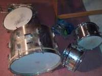 NICE DRUM SET/ HAS A BOX OF OLD GUITAR STANDS. $200