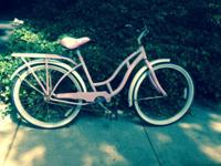 Selling this wonderful old-fashioned Schwinn bike. It's