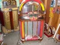 Want to buy older juke box,1940 s - 1950s.  Wurlitzer,