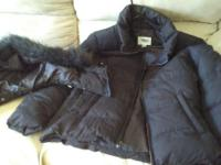 Black Old Navy Winter Jacket w Detatchable Hood for