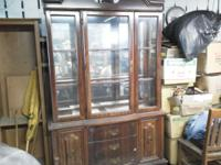 Nice curio cabinet has sum scuffs no major flaws just
