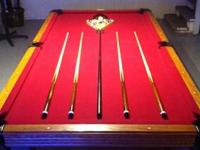 Proffessional series Olhausen 8' pool table with 4 cue