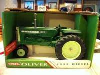 Oliver 1555 diesel toy tractor, collectible, 1/16 size