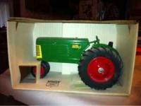 Oliver Row Crop 77 1/16 model, toy tractor, collector