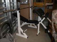 OLYMPIC WEIGHT SET WITH WEIGHT BENCH. WEIGHT BENCH
