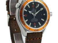 This Seamaster Planet Ocean Is iN Excellent Condition