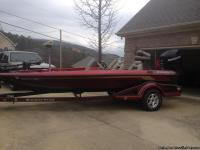 This boat has a 200 Mercury Optimax, Minn Kota 24 volt